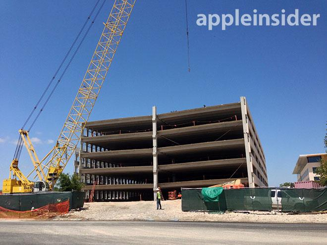 Apple Parking Garage : Fresh photos of apple s austin campus show nearly