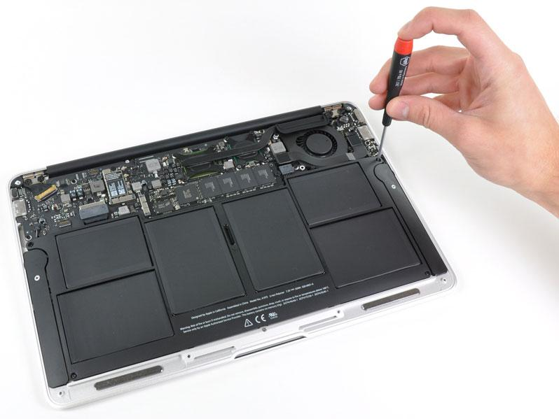 Teardown Of Apple S 11 6 In Macbook Air Shows Six Internal