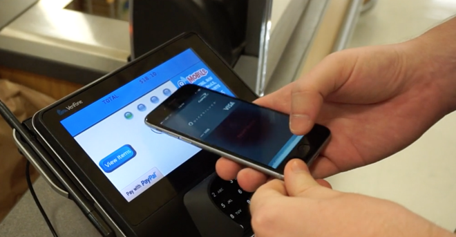 how to change your default apple pay credit card or remove cards