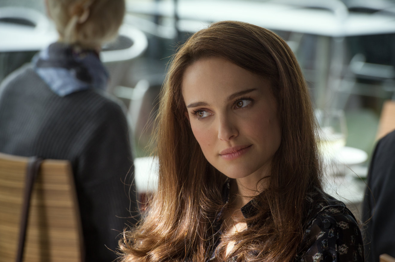 natalie portman rumored for troubled steve jobs biopic