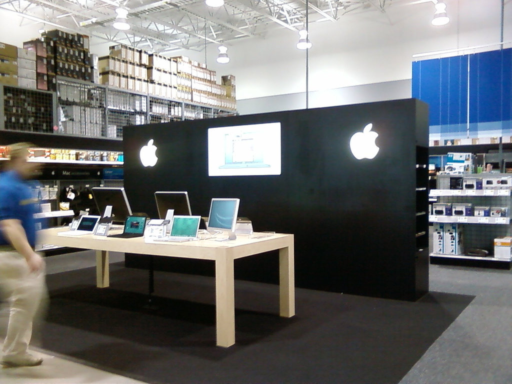apple best buy alliance grows with more apple watch locations expanded in store service. Black Bedroom Furniture Sets. Home Design Ideas
