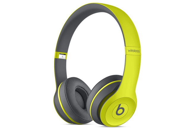 bluetooth headphone sales surpass others for first time with apple 39 s beats in top spot. Black Bedroom Furniture Sets. Home Design Ideas