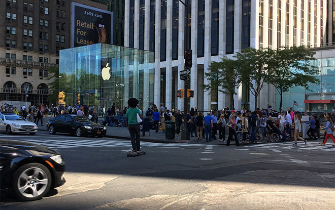 In A Rare Statement Regarding IPhone Launch Supply Apple On Wednesday Said Initial Stock Of All 7 Plus And Jet Black Models Had Been Depleted