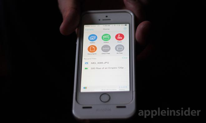quite nice 0da59 909f3 Hands-on: Mophie's Space Pack brings extra power, storage to iPhone 5/5s