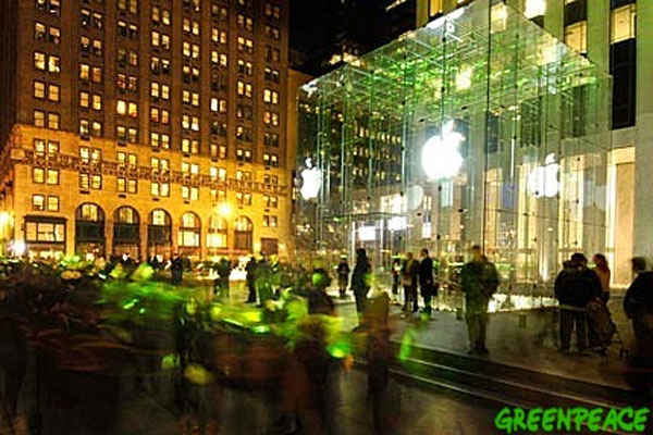 Greenpeace demonstrates outside Apple's flagship location in Manhattan