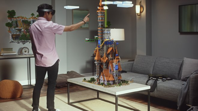 Microsoft demos 'mixed reality gaming' capabilities of