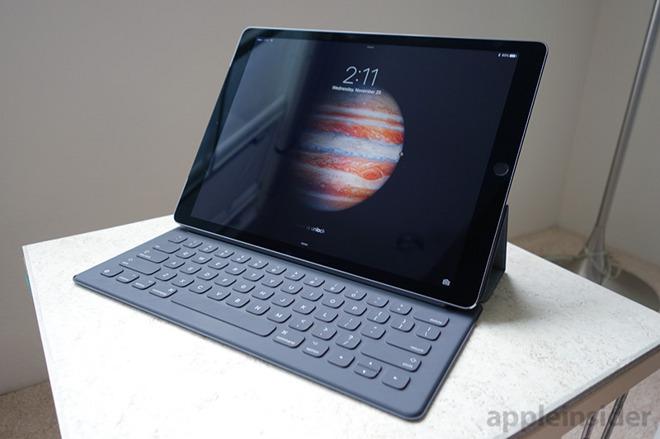 de43de7cd1a First look: Apple Smart Keyboard for iPad Pro