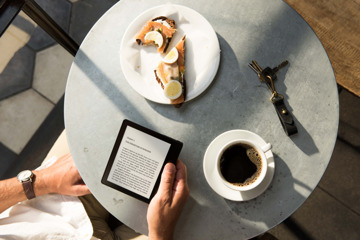 Amazon launches $290 Kindle Oasis, its thinnest e-reader ever