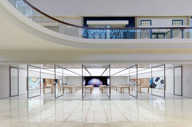 Apple to reopen Thousand Oaks store on Saturday, close Cambridge