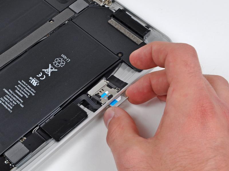 Teardown of iPad 3G shows Apple using LCD frame as an ...