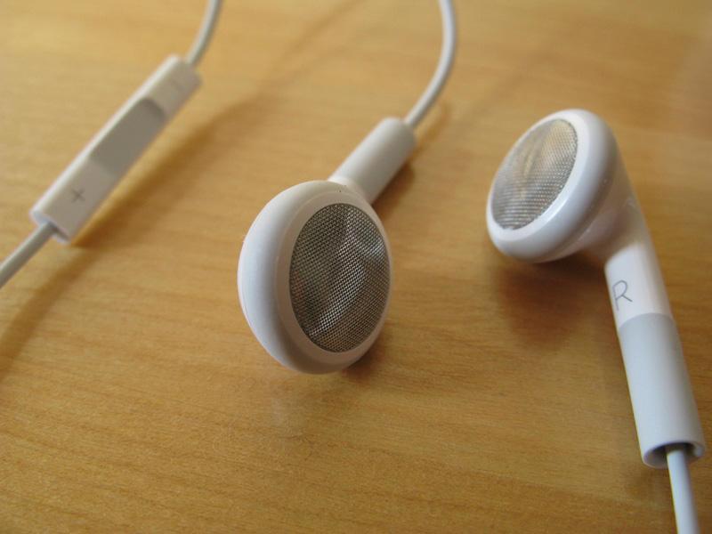 iPod shuffle earbuds