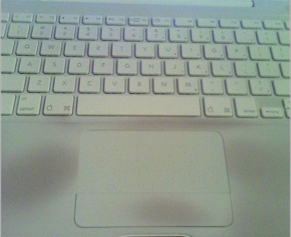 MacBook Discoloration